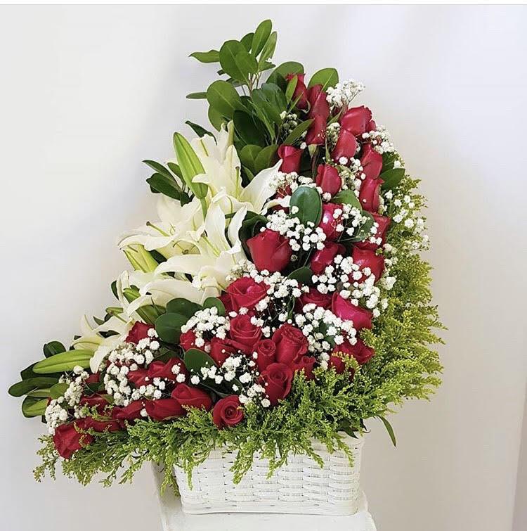 Canasta Rosas Y Lilium